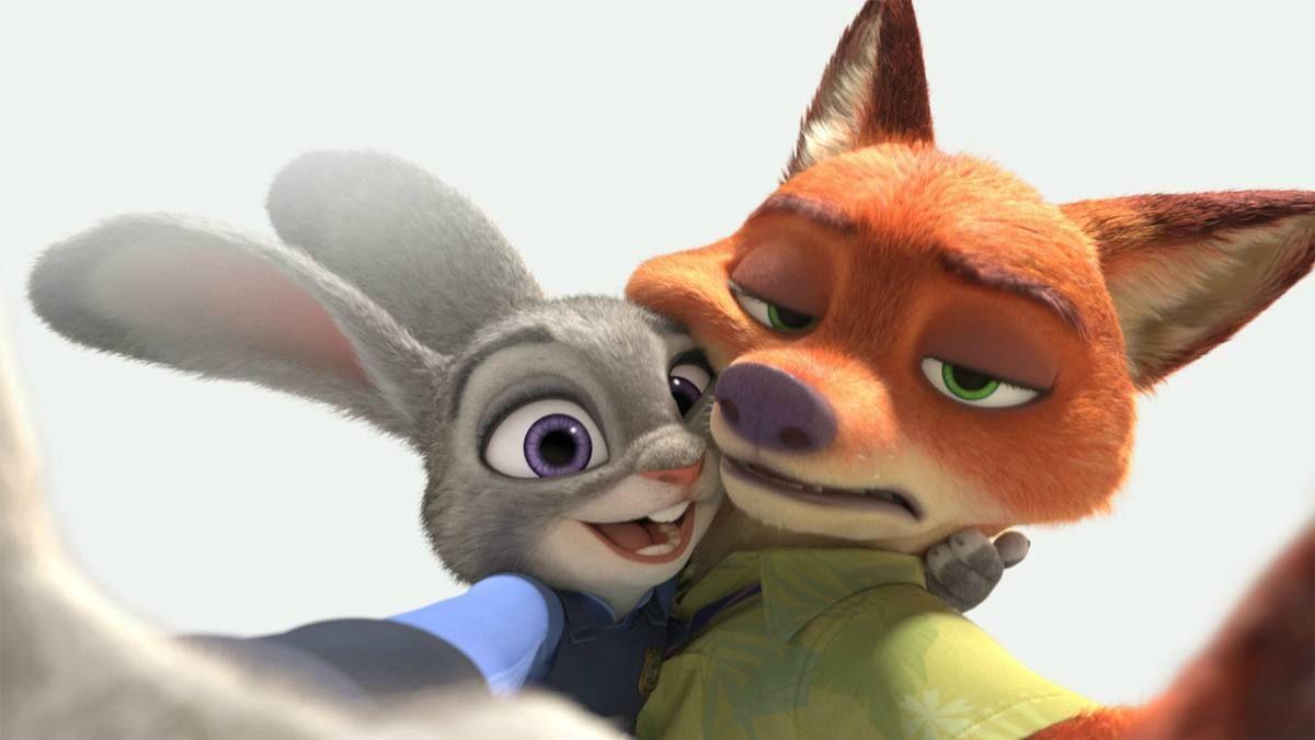 《疯狂动物城》该片讲述了在一个所有动物和平共处的动物城市,兔子