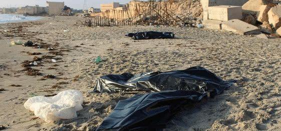 海上到处是浮尸!地中海最惨难民船难,遗体不断被冲上岸
