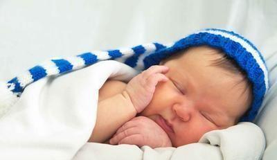 <b>宝宝若想养美貌,规律作息睡眠很重要,长大后会越来越聪明!</b>