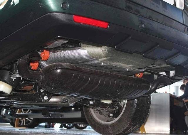 2根排气管和1根,区别是啥?修车工说完,车主:买