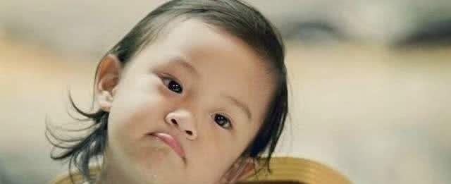 星二代差距大,多多染发常被议论,李嫣炫富成瘾,只有她最讨喜