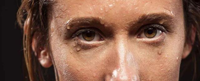 容易出汗是怎么回事,5个排汗部位告诉你,注意身体健康