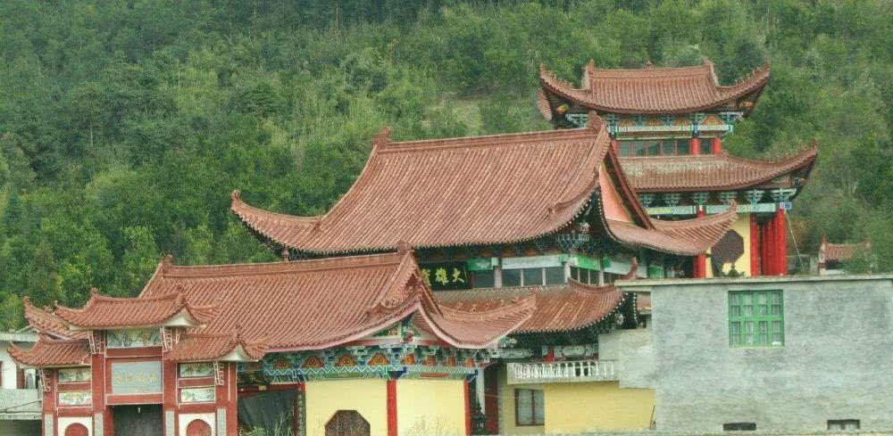 这座山高度只有百米,却是佛教八小名山之首,网友:江海第一山