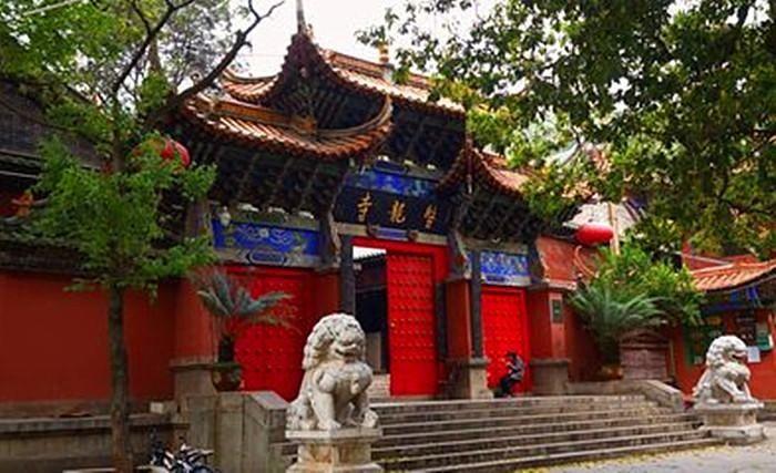 紫金南母寺:具有悠久的历史和佛教文化,距今有800多年历史
