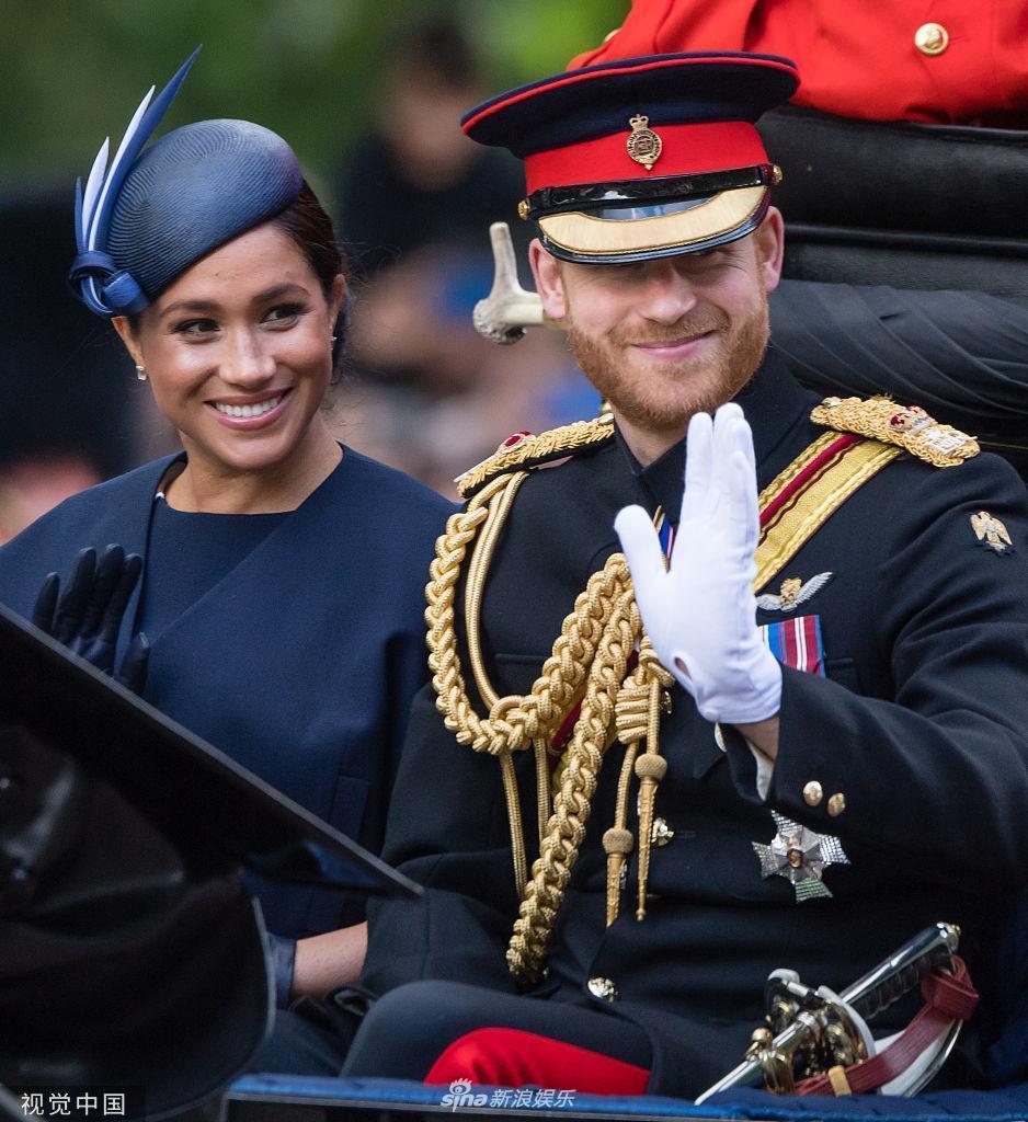 白金汉宫观看飞行表演路易小王子变表情超搞笑的a表情图片图片