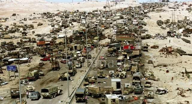 伊拉克再现死亡公路 ISIS逃跑车队遭空袭