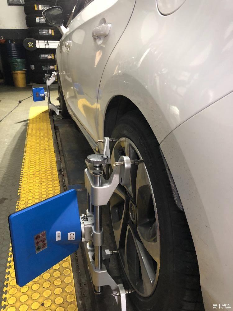 (3),轮胎出现磨损异常.图片
