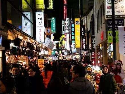 去韩国和日本旅游的人数只增不减,疯狂购物买