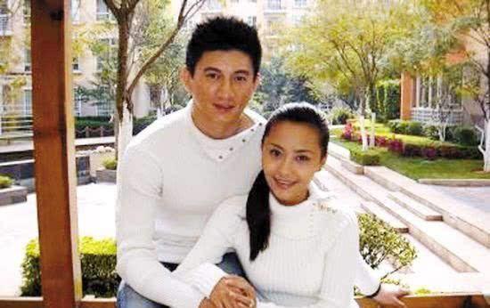 41岁马雅舒近照曝光,和吴奇隆离婚后嫁老外,如今被宠成公主