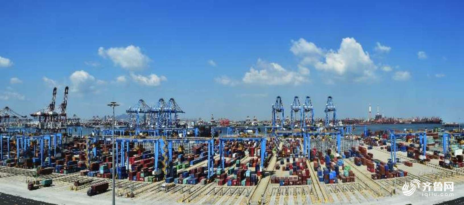 青岛港实现通过无线网络抓取和运输集装箱