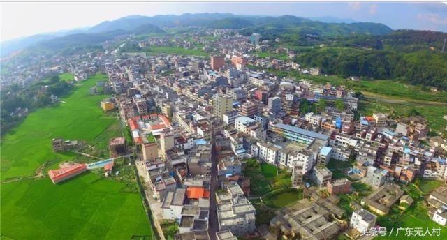 广东河源东源县黄村镇,半山腰只有一户人家的小山村!