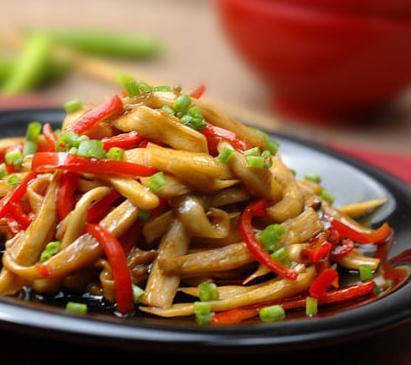 牛肉调配鸡肉年糕炒香精紫包菜炒泡菜蚝油蘑藕片技术的推荐美食图片
