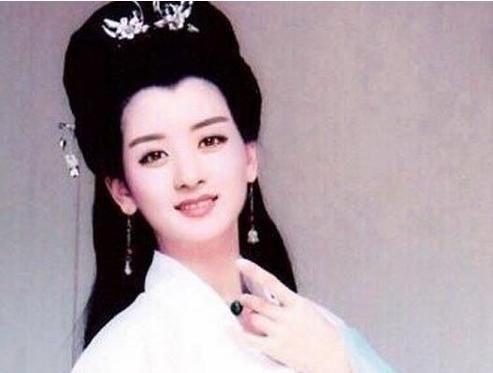 女星白娘子造型,高圆圆美极了,赵薇简直搞笑,杨幂的能
