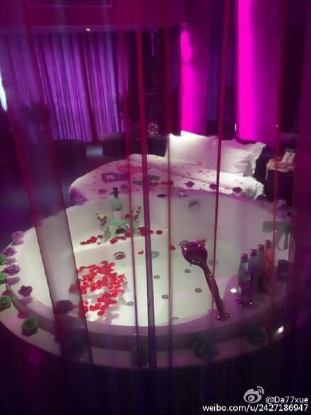 武汉视频水床情侣最受欢迎多款情趣内衣可选酒店档秀开情趣内衣图片