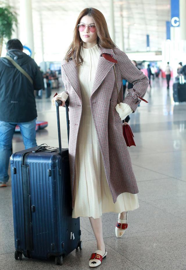 给我一条美女裙温暖a美女两不误情趣用品变态毛衣图片