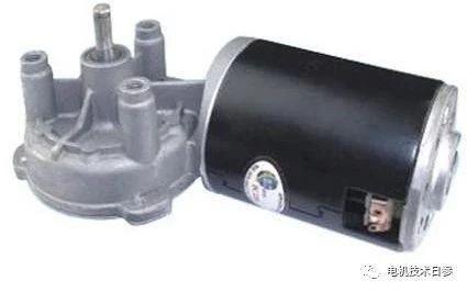 与电励磁直流电机相比,直流永磁电机励磁磁场不可调,只能通过调节电枢