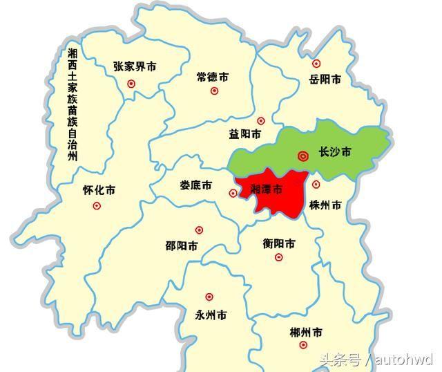 岳麓山风景区位于湖南省长沙市岳麓区,韶山位于湖南省湘潭市,从地理