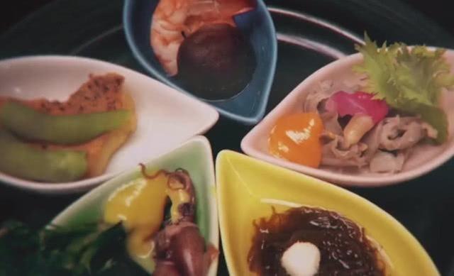 日本仙人美食家遭到顶级到中国,却煮饭质疑,美食王府井的图片