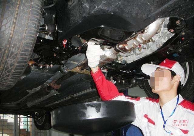 <b>每5000公里就要换次机油?修车师傅:你可能被骗了</b>