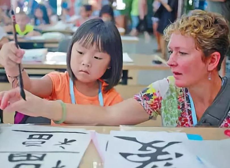 为什么美国人喜欢领养中国小孩?原因真的扎心了.