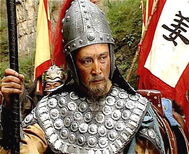 虽然是临洮大破王经,但对于姜维来说,这点战绩是远远不够的!而后数年姜维一直对魏用兵,直到公元262年,蜀汉皇帝刘禅对姜维北伐并不是非常看好,而且加上宦官黄皓乱政!姜维又兵败,不得不退守沓中以避黄皓的迫害!由于姜维遭到排挤,此时身为驸马的诸葛瞻也就是诸葛亮的儿子,居然任由黄皓作乱!