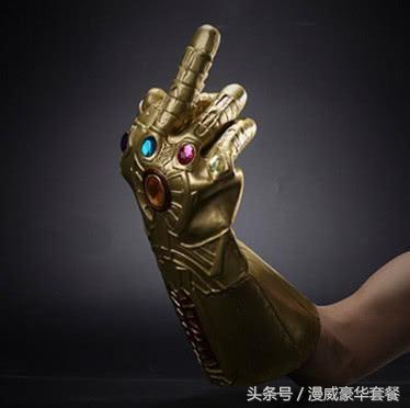 复联4钢铁侠制造无限手套收集宝石,美队拿起雷神之锤对抗灭霸