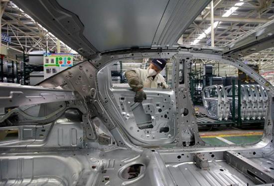 <b>应对销量持续下滑 神龙汽车将关闭两家工厂</b>