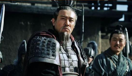 曹操和刘备分别经历了什么,才坐到一起煮酒论英雄?