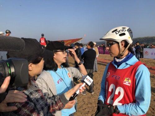 地脊国际马术耐力赛在黄河故道揭幕 赛事级佩又