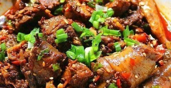 精选美食推荐:辣炒大肠,蜜香鸡腿,橙皮烧排骨的做法