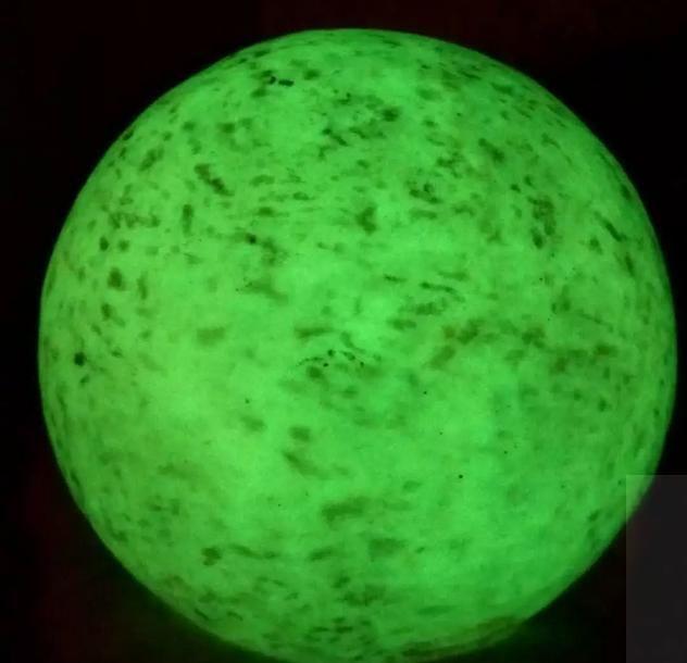 天然夜明珠稀罕宝物价值100万以上!