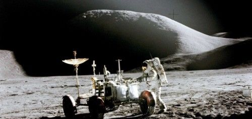 为什么美国二战轰炸机,会出现在月球上?科学已经无法解释