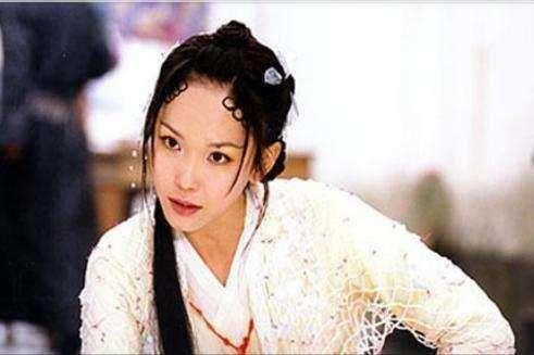 三,范文芳 2001年上映的《青蛇与白蛇》,由范文芳,张玉嬿,焦恩俊及