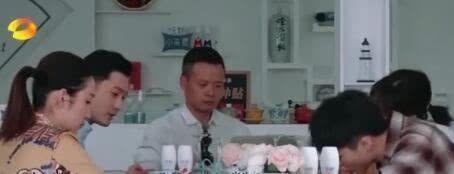 中餐厅否认刻意剪辑黄晓明:每个人物都是真实的,没有颠倒黑白!