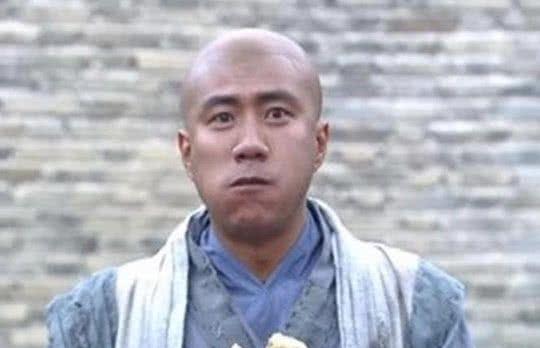 将军路过救下即将问斩的乞丐,却没想到乞丐后来成为了千古一帝