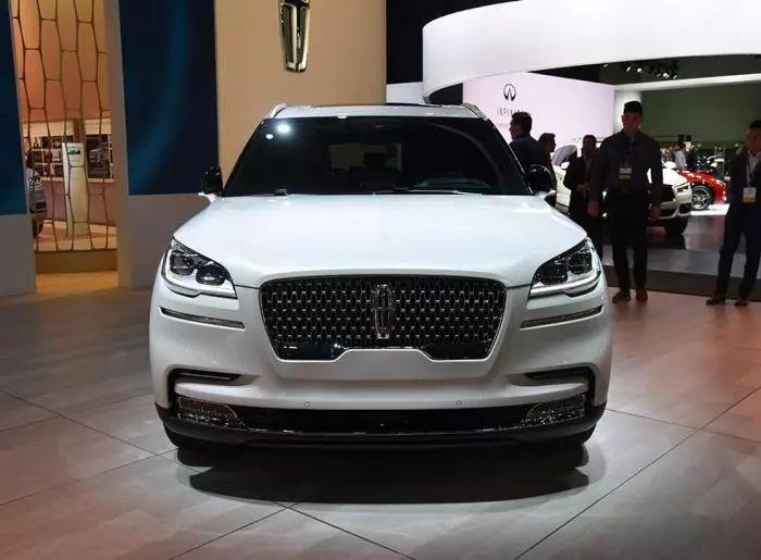 又一款重磅SUV来袭,外观霸气感十足,比宝马X5便宜30万