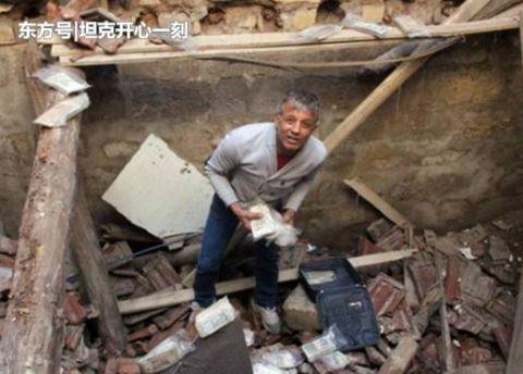 男子拆了死亡老人房屋,得到的东西,让他瞬间成了一名富翁!