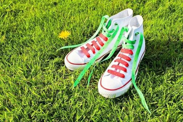 鞋带的花样系法,张扬你的个性图片