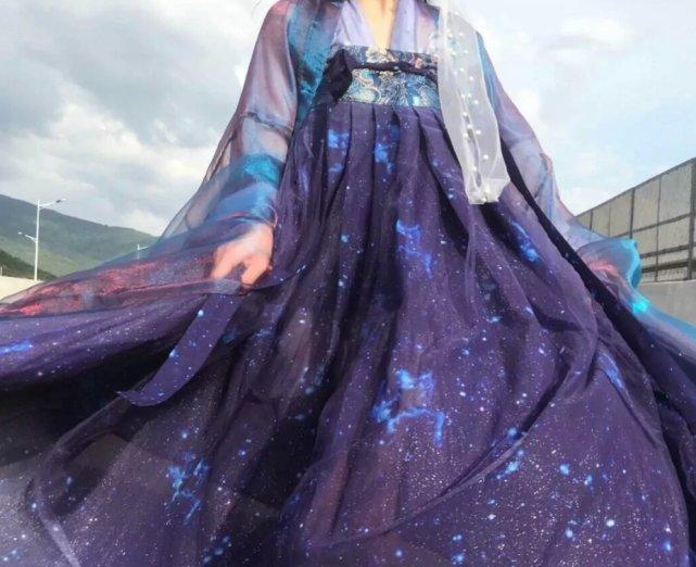 比北极星还要闪耀的汉服,散发点点星光,资深袍子都爱了!