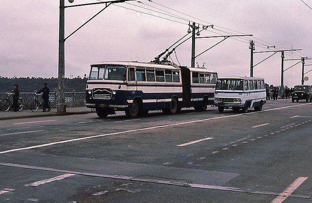 老照片:1983年湖北武汉街景 - qwe08828 - qwe08828的博客