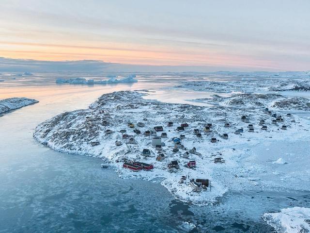 国际 正文  格林兰岛,位于欧洲,据说是由是欧洲国家丹麦王国的海外