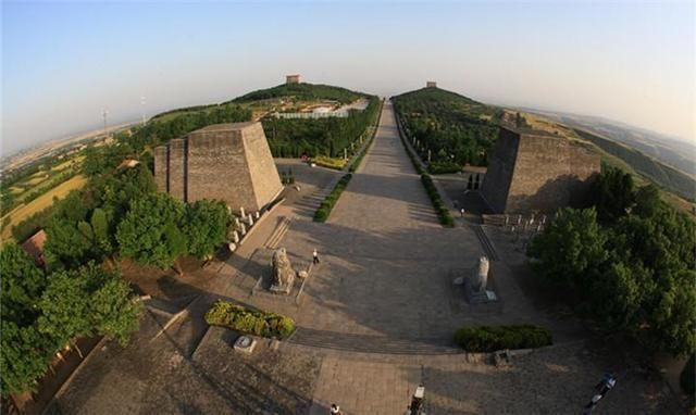 1960年武则天孙女陵墓被挖开,墓志铭上有四个字,揭露了人性丑恶
