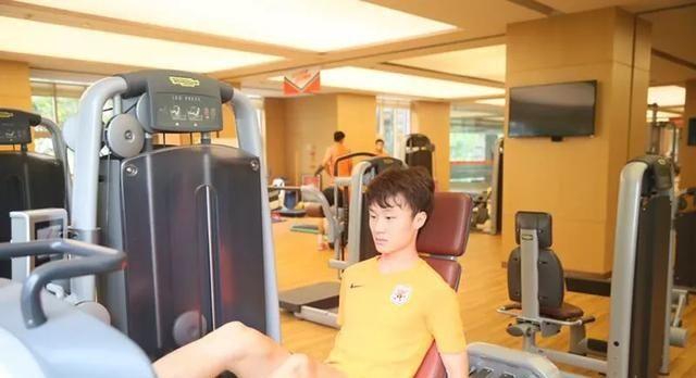 足球学霸不只段刘愚,鲁能又有两位球员考入大学