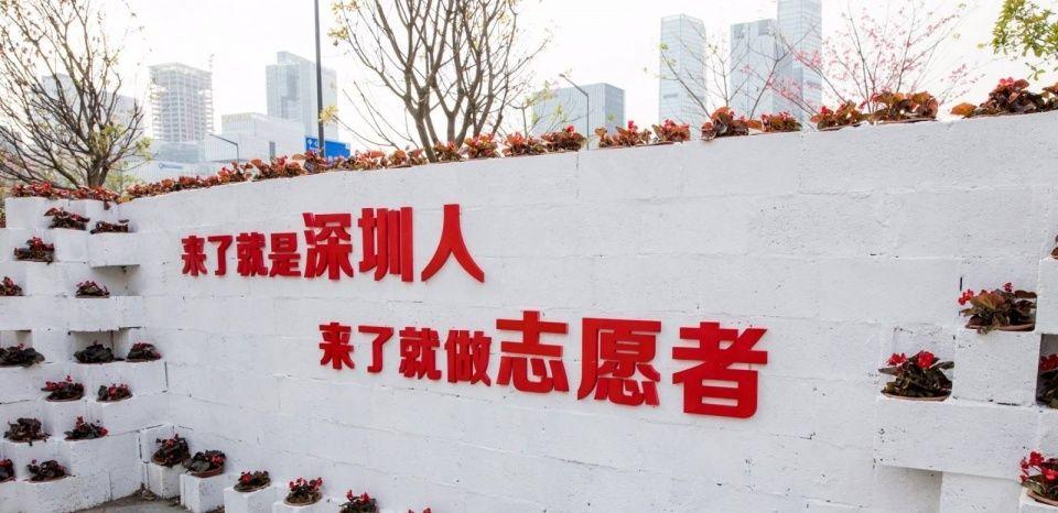 重庆美女老板,将网红景区洪崖洞美食,开到了深圳