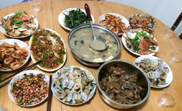 家里吃饭照片_老公带6人来家里吃饭,我做了\