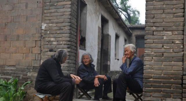 """3种""""新式""""农村养老法,解决老人养老所需,第二种最受欢迎!"""