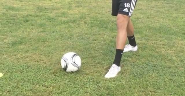 足球教学:如何用正脚背踢出漂亮的长传球